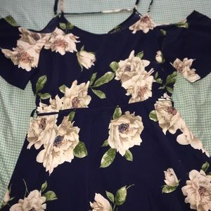 Never worn short sleeve floral dress